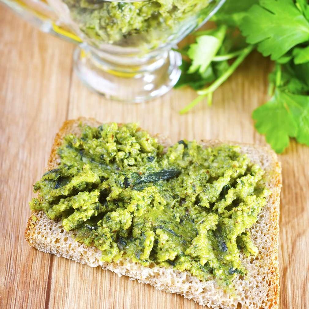 Tartine cu verdeață