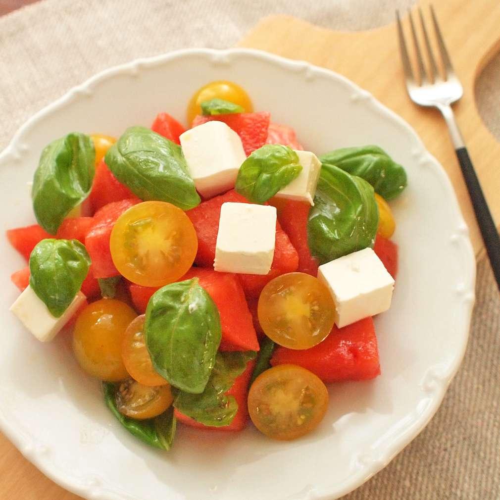Zobrazit Rajský salát s melounem receptů
