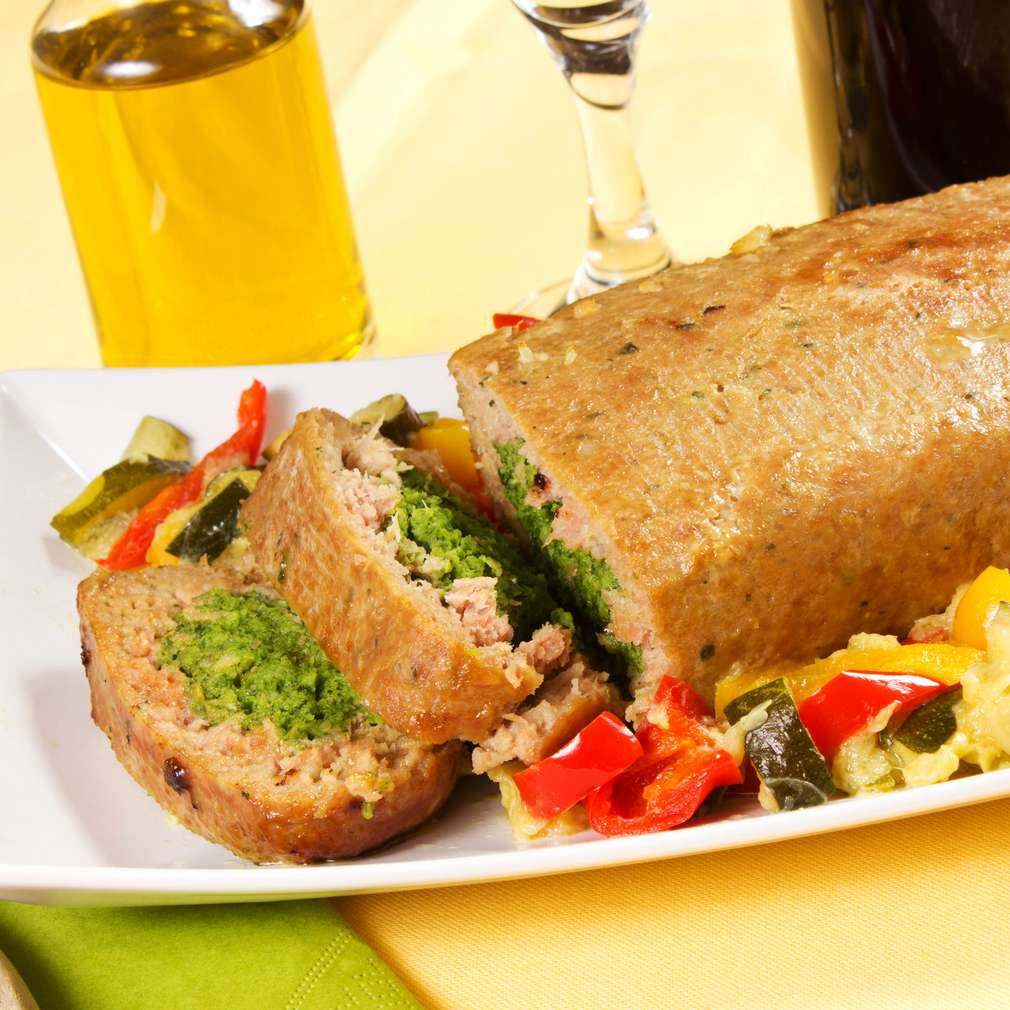 Imaginea rețetei Ruladă cu carne tocată și spanac