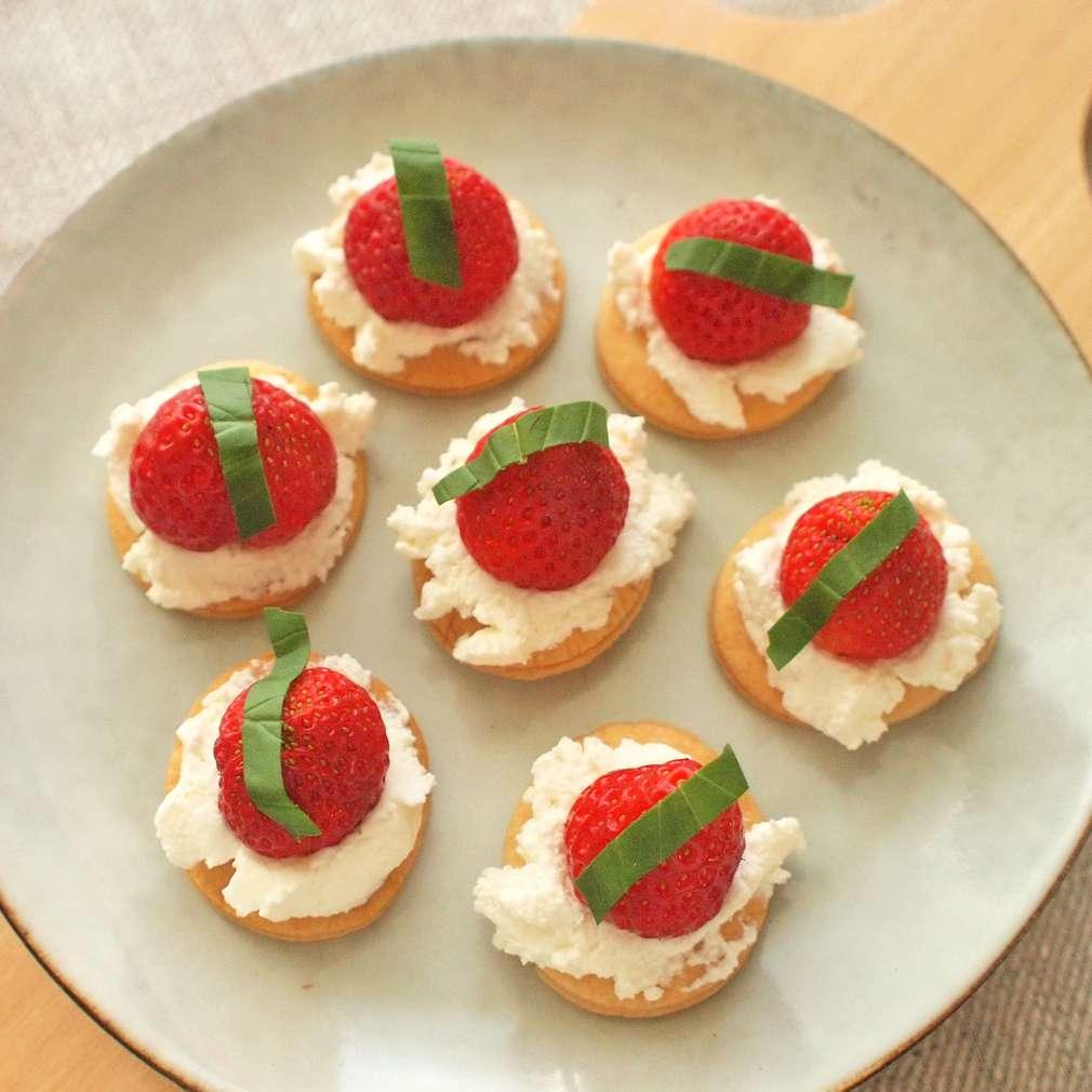 Zobrazit Sušenky s jahodami a ricottou receptů