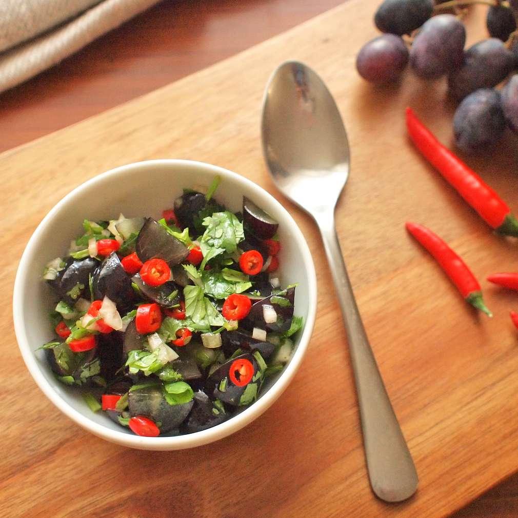 Zobrazit Chilli salsa s hroznovým vínem receptů