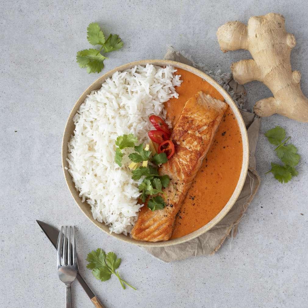 Zobrazit Thajské kari s lososem a jasmínovou rýží receptů