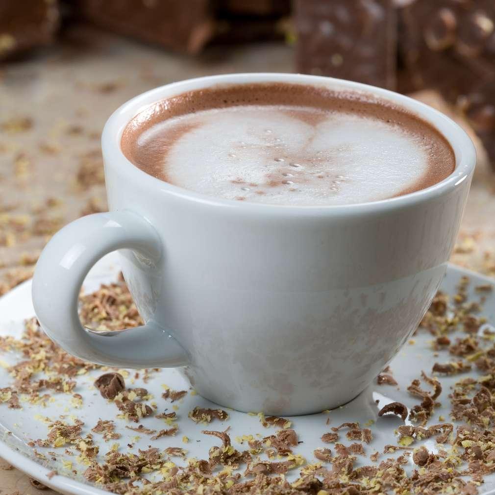 Imaginea rețetei Ciocolată albă și neagră fierbinte