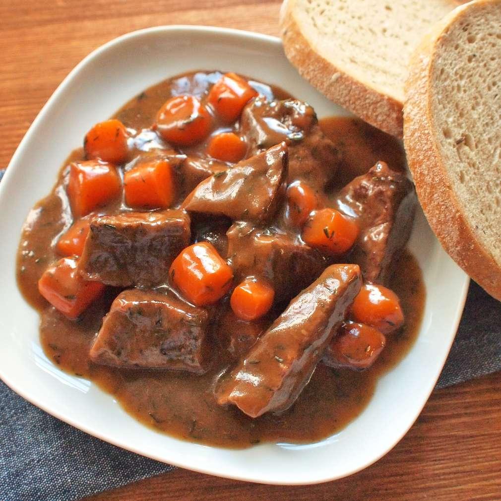 Zobrazit Dušené hovězí s mrkví receptů