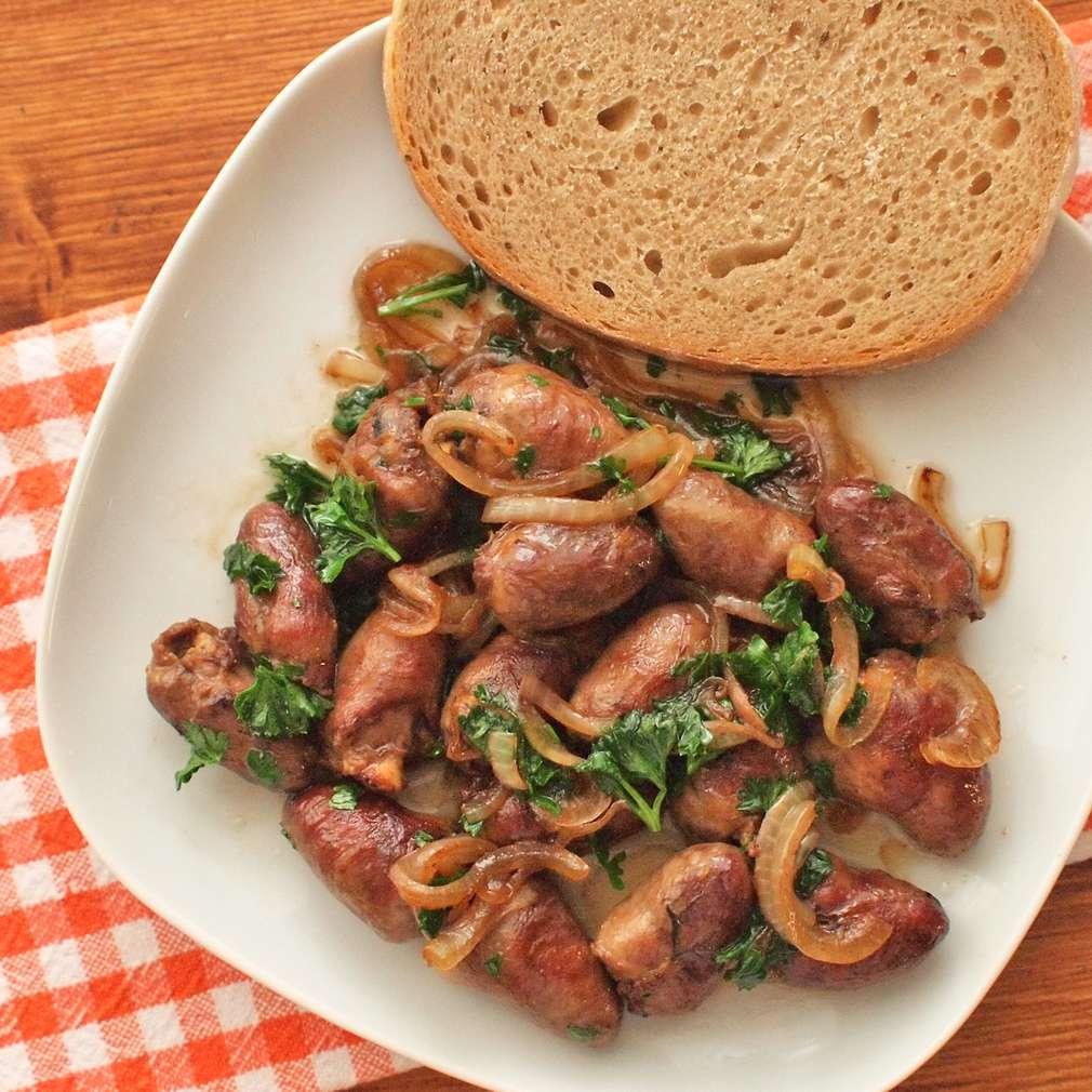 Zobrazit Restovaná kuřecí srdíčka receptů