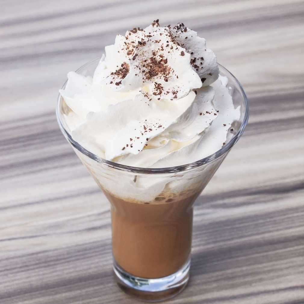 Imaginea rețetei Cafea cu frișcă