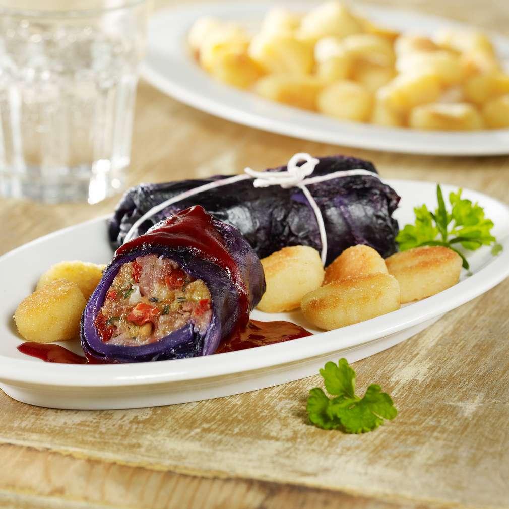 Abbildung des Rezepts Rotkohlroulade mit Parmaschinken-Tomaten-Füllung