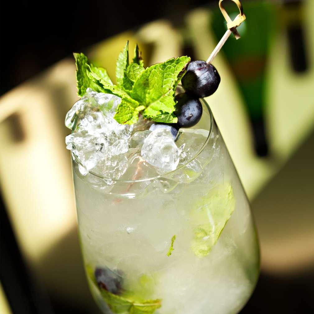 Imaginea rețetei Cocktail cu vodcă și vin