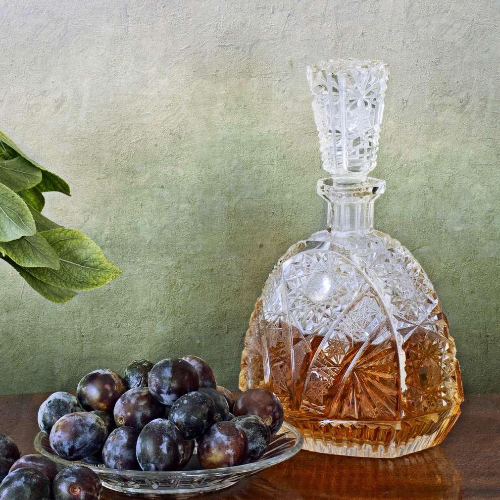 Imaginea rețetei Țuică din prune și alte fructe