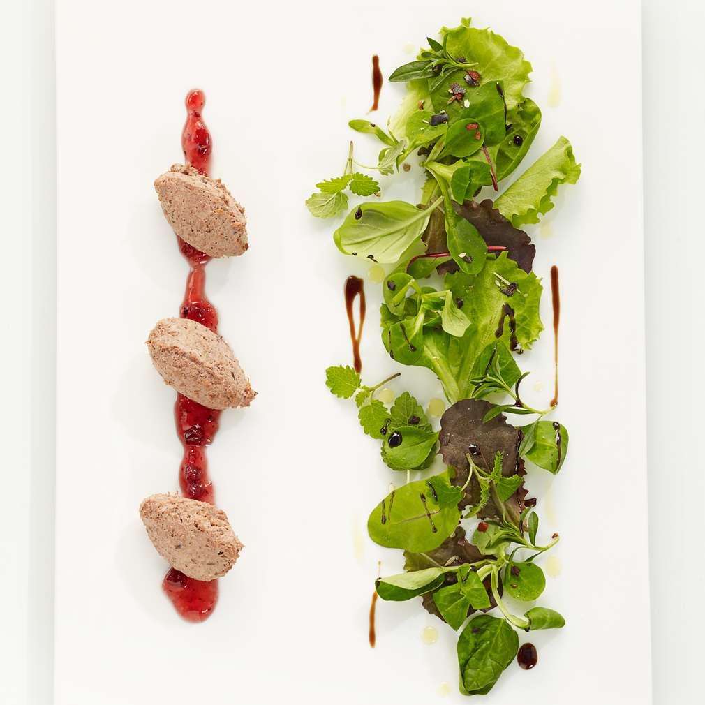Abbildung des Rezepts Wildschwein-Paté auf Pflücksalat