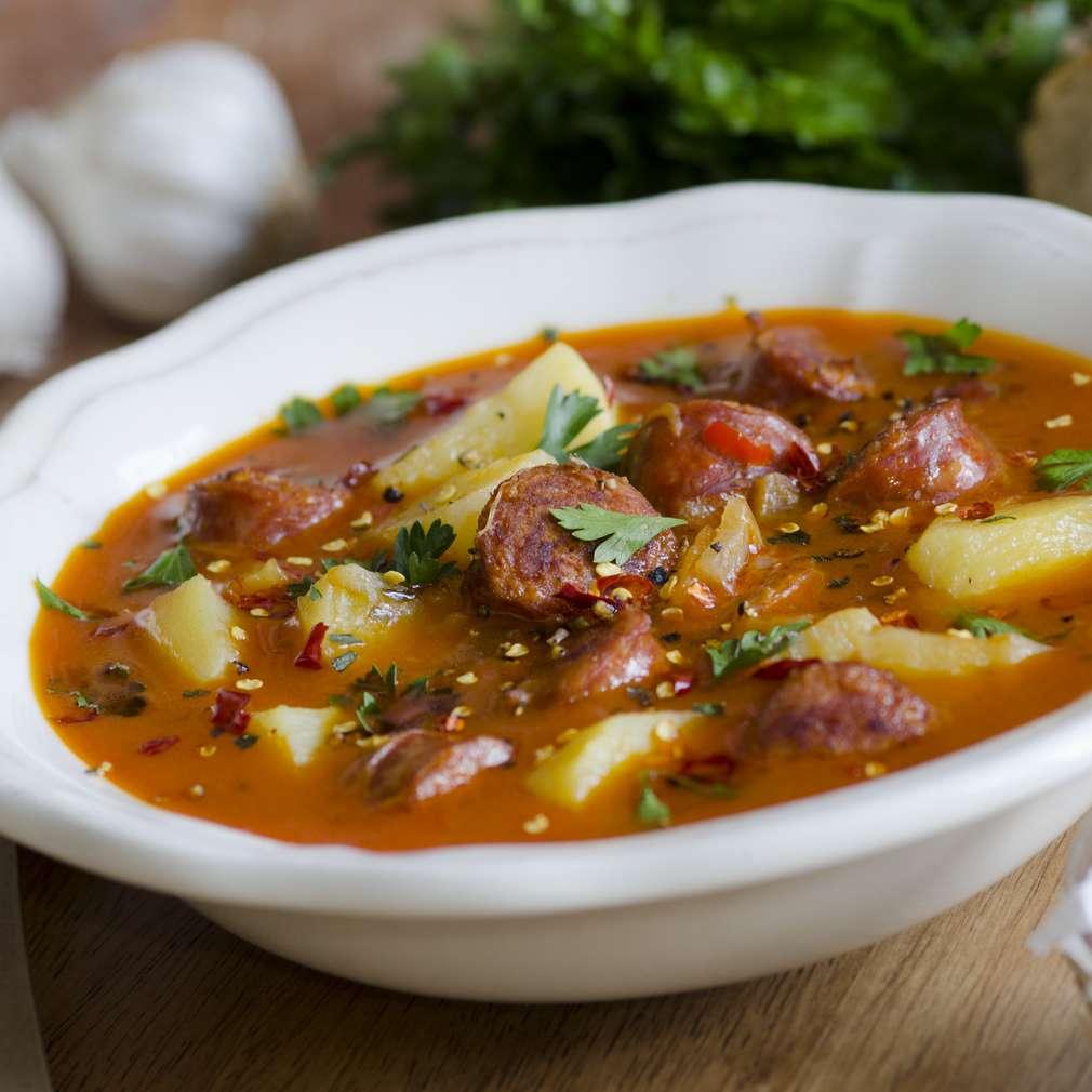 Imaginea rețetei Supă picantă cu cârnați