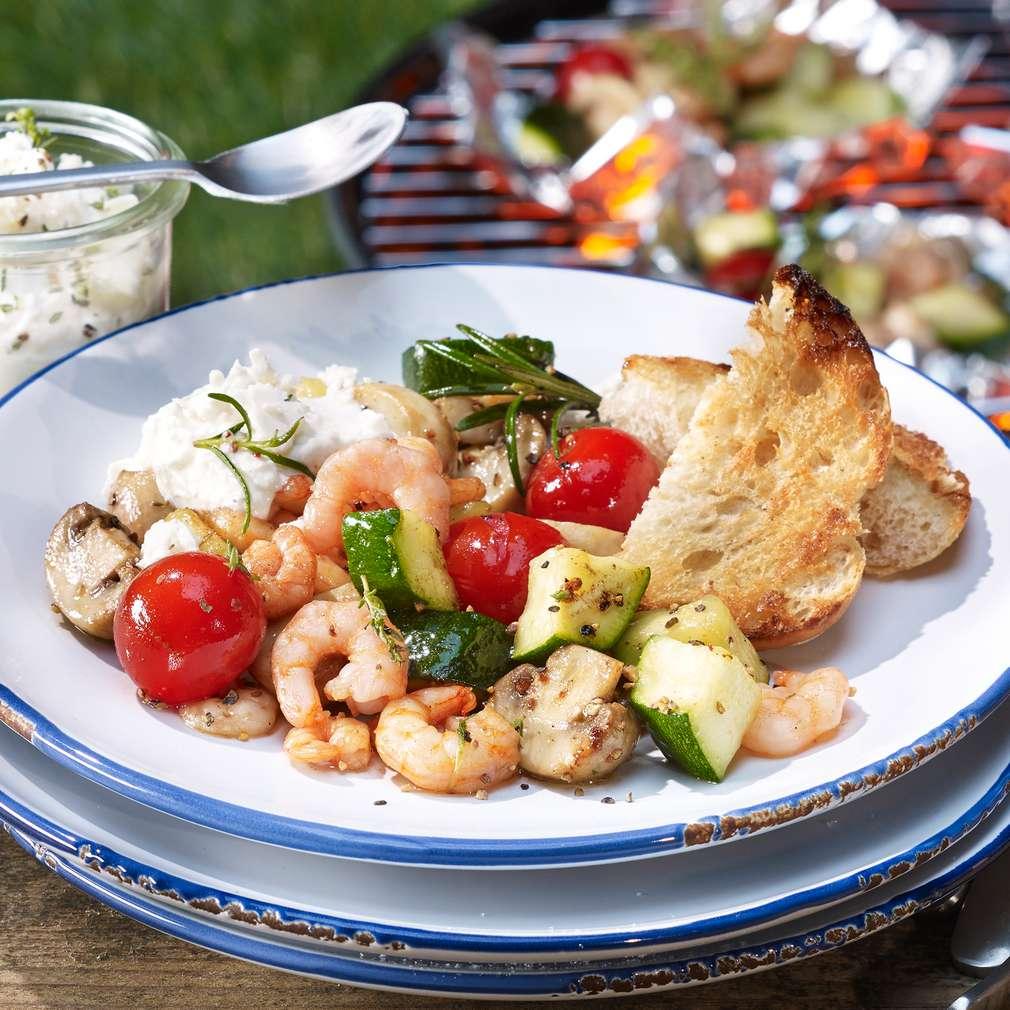 Zdjęcie przepisu Paczuszki z krewetkami i warzywami z grilla