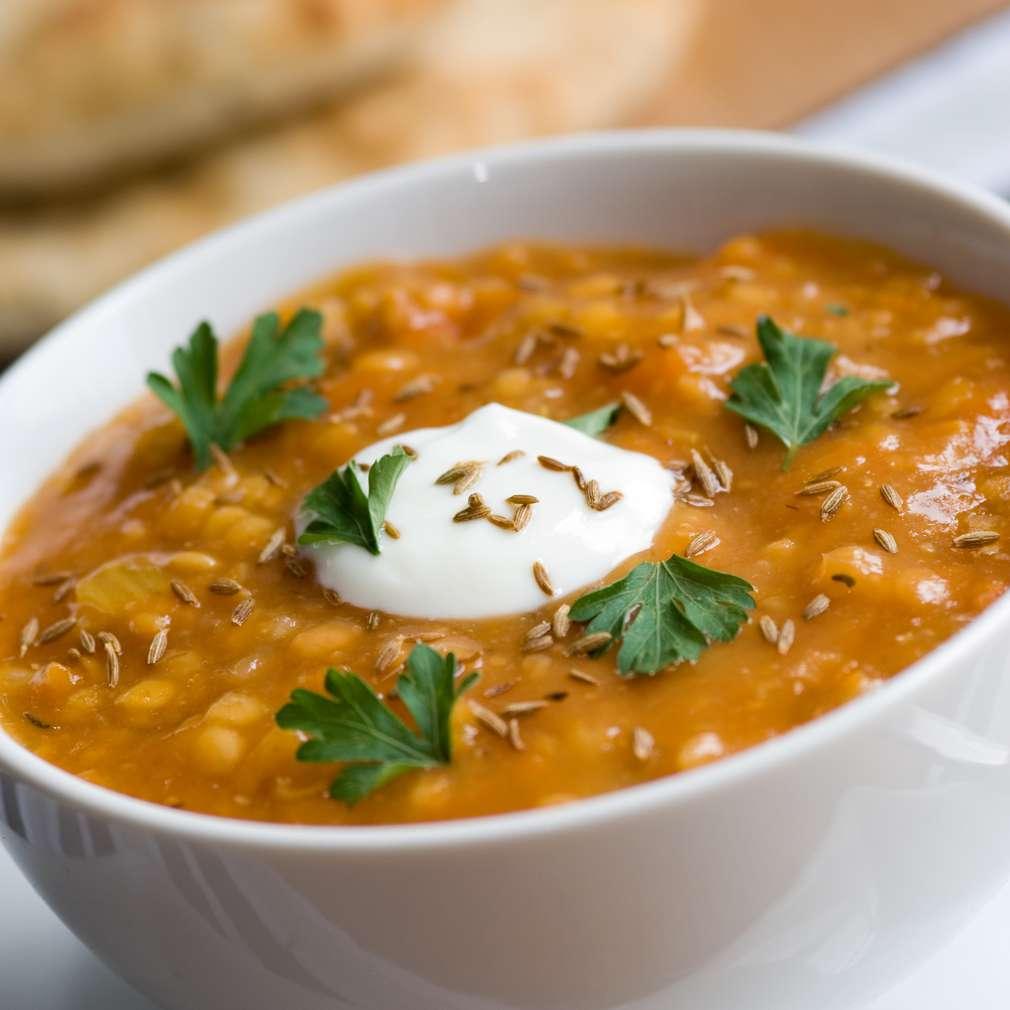 Supă de linte cu roșii