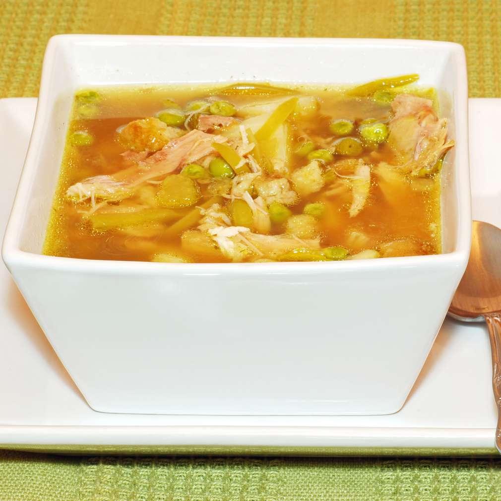 Imaginea rețetei Supă de piept de pui