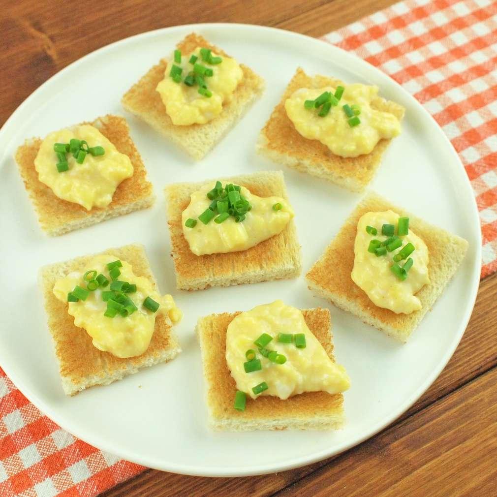 Zobrazit Mini toasty s míchaným vajíčkem receptů