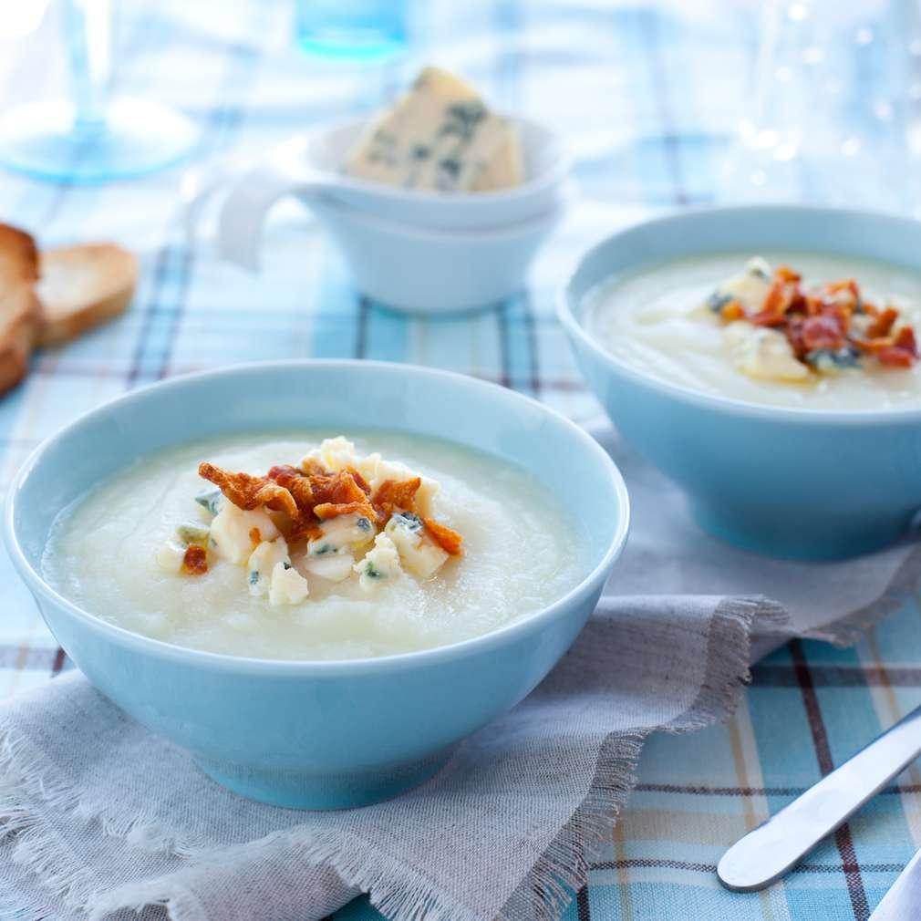 Supă cremă de conopidă cu gorgonzola și cu bacon