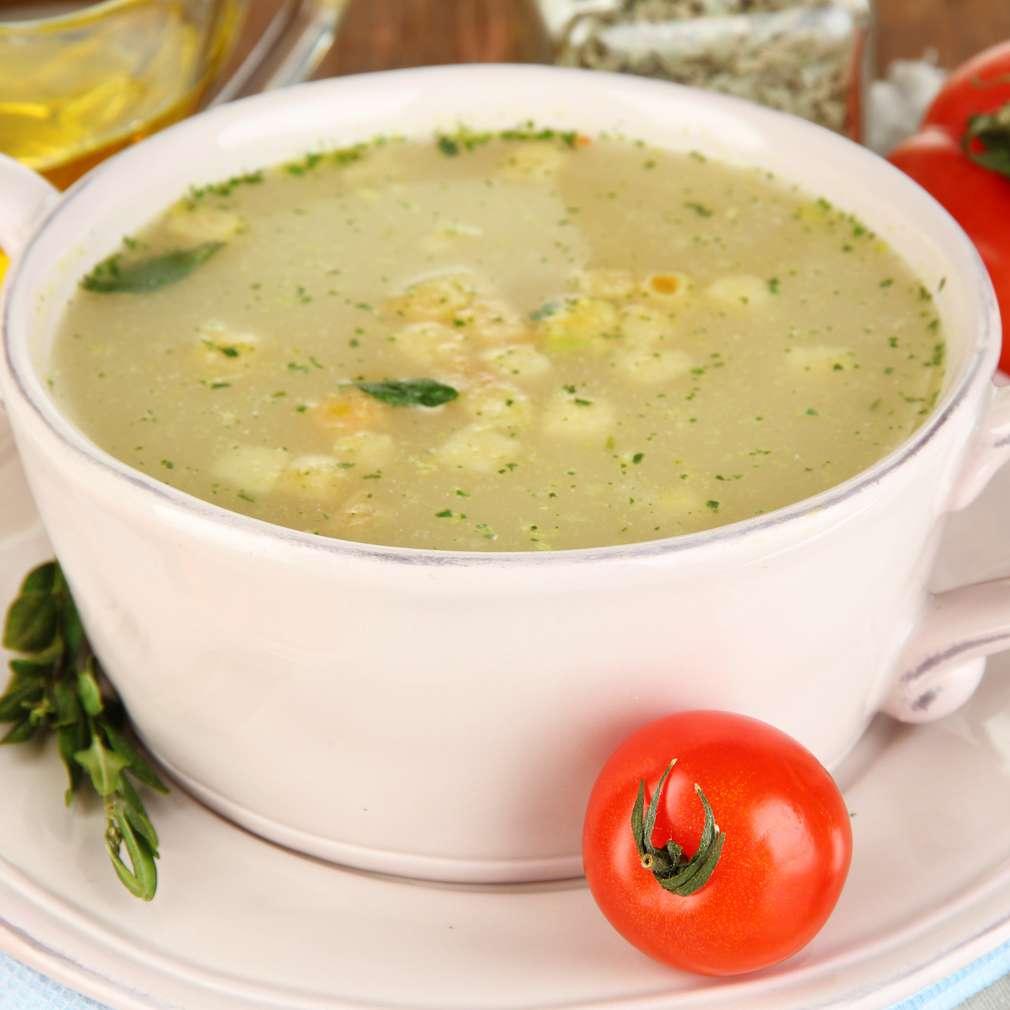 Supă de pui cu crutoane