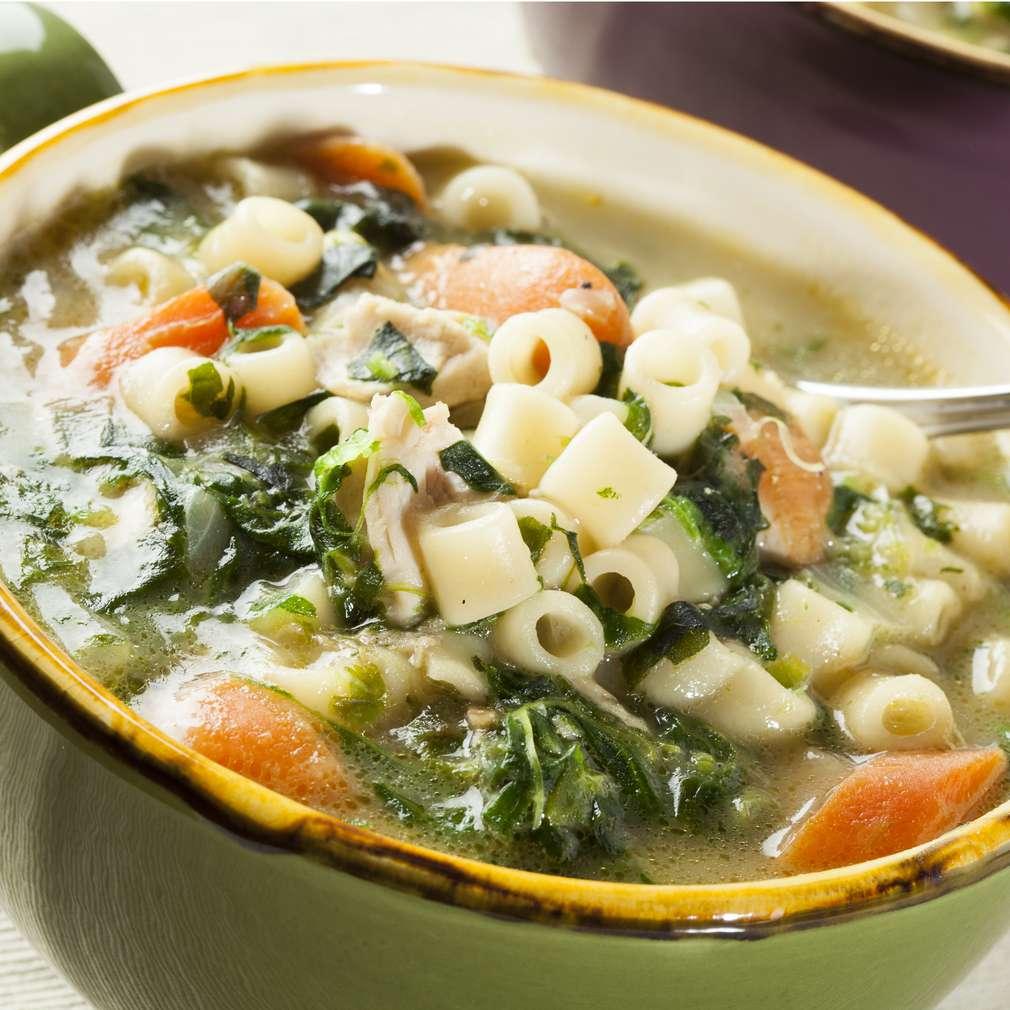 Imaginea rețetei Supă de pui și spanac