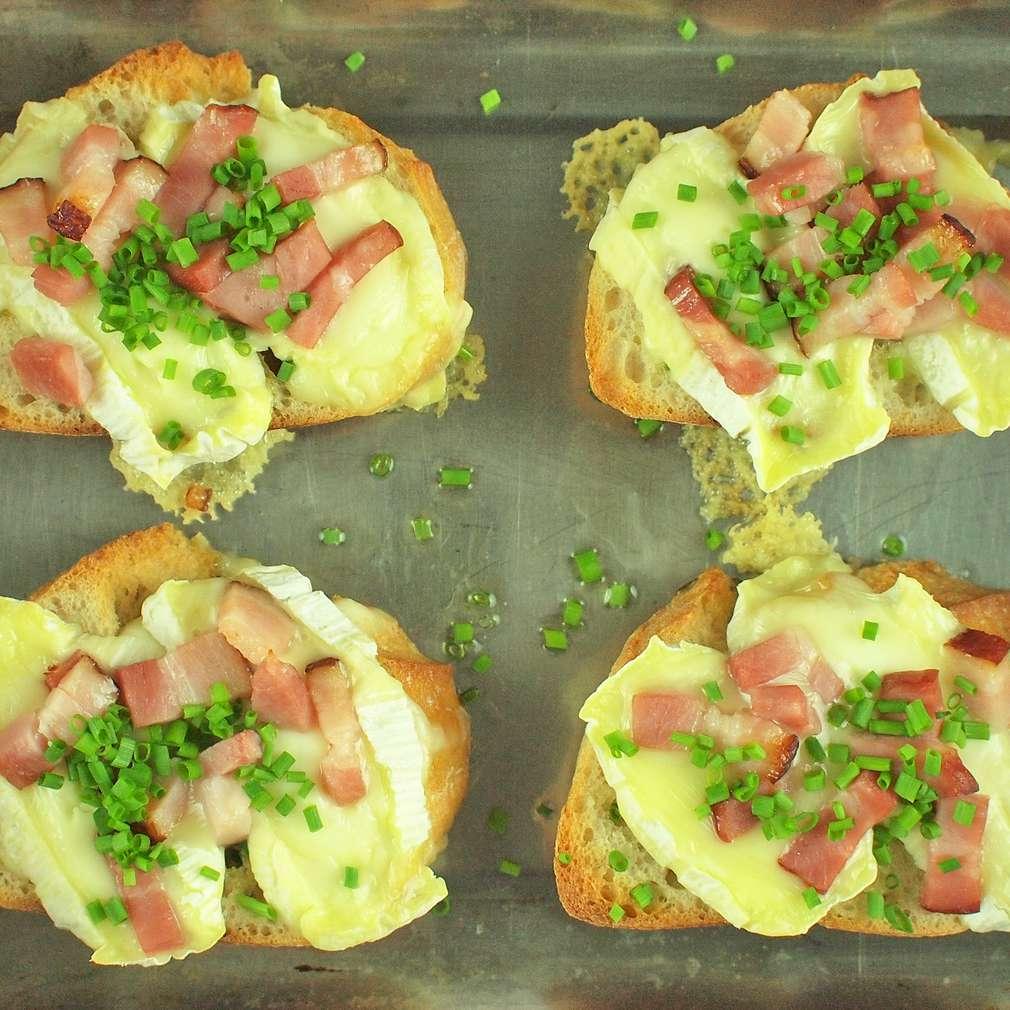 Zobrazit Zapékané toasty s hermelínem receptů