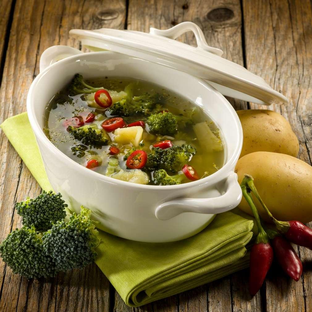 Supă picantă de broccoli