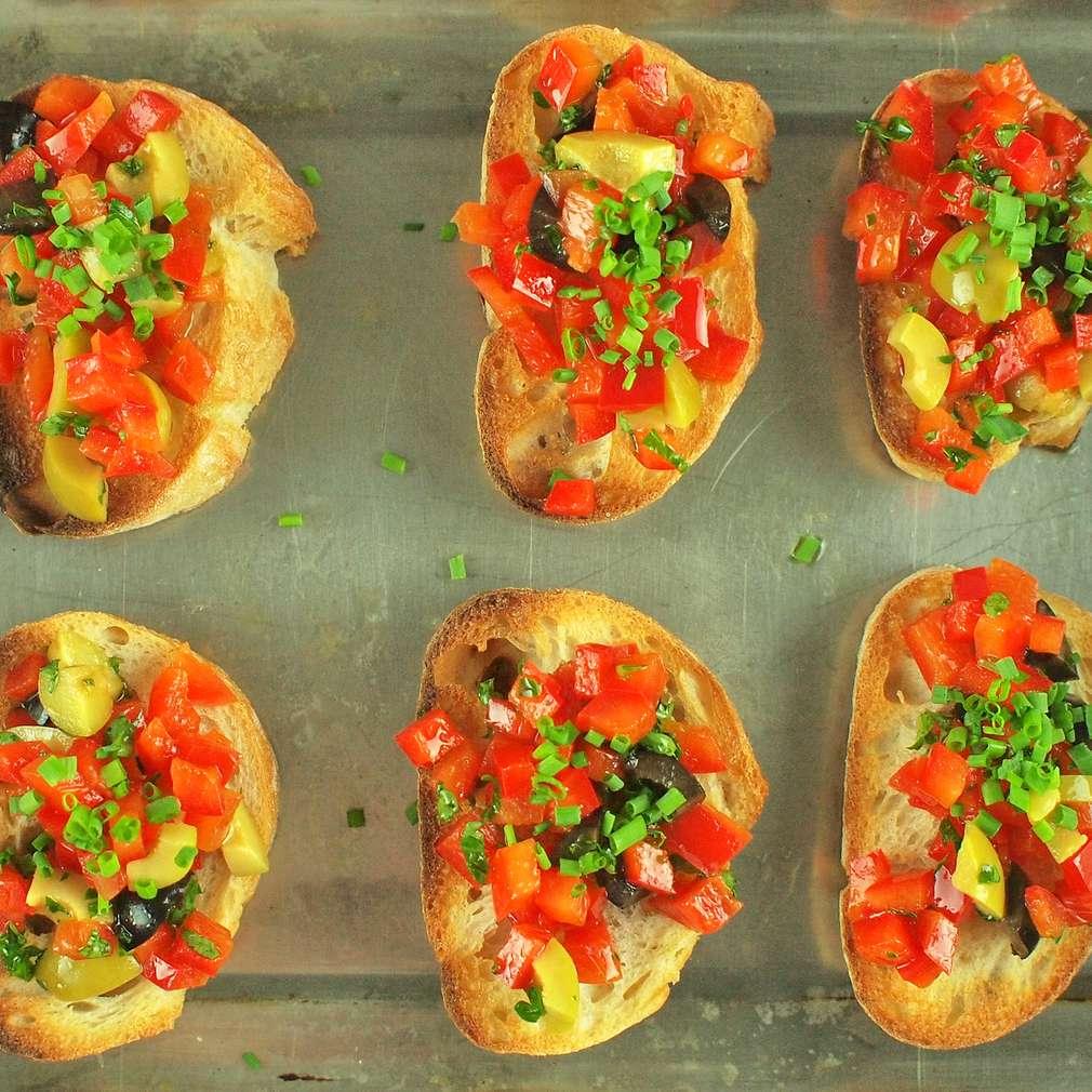 Zapékané crostini s rajčaty