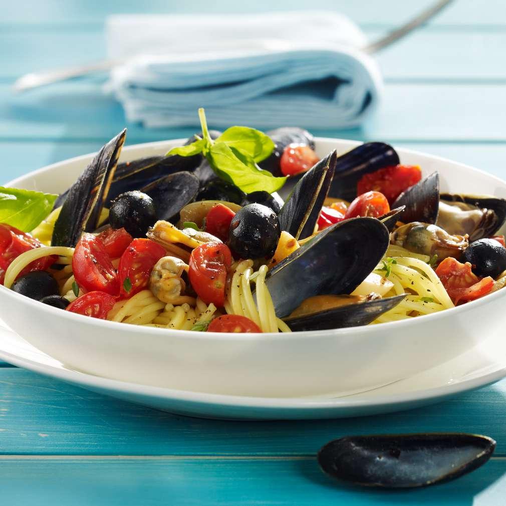 Abbildung des Rezepts Spaghetti mit Muscheln und Tomaten-Oliven Sugo