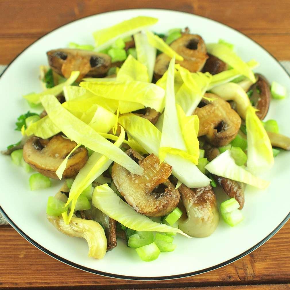 Zobrazit Pečené houby s celerem a čekankou receptů