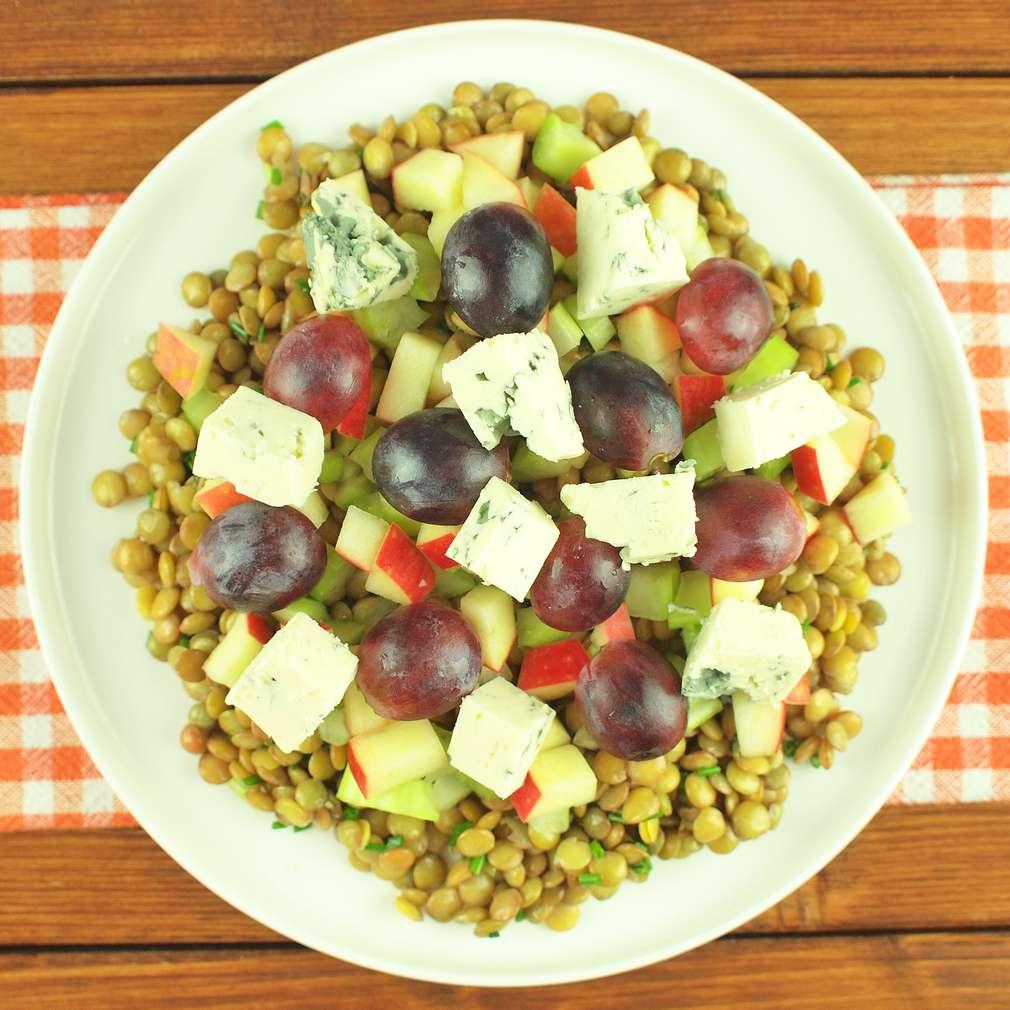 Zobrazit Čočkový salát s plísňovým sýrem receptů