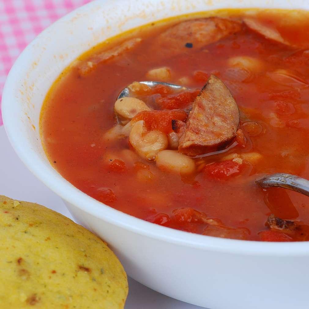 Imaginea rețetei Supă cremă de roşii cu cârnaţi
