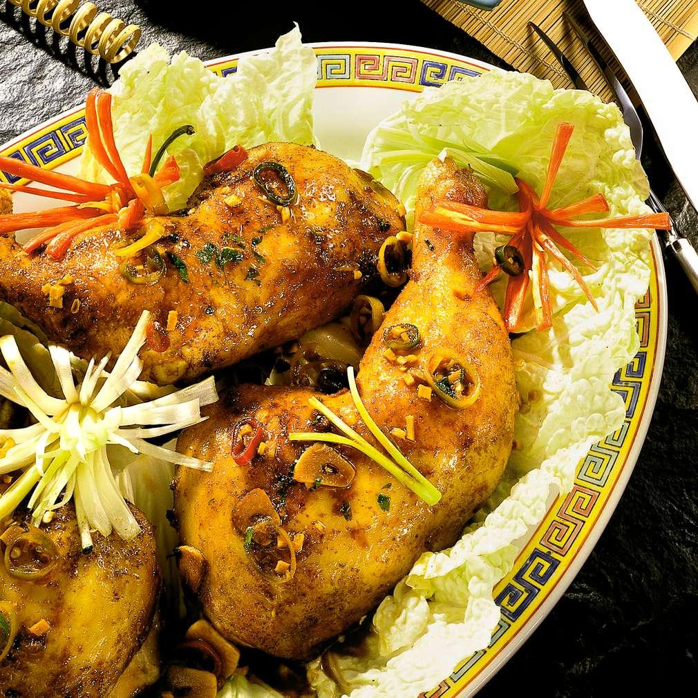 Zobrazit Pečená kuřecí stehna v pikantní chilli marinádě s koriandrem receptů