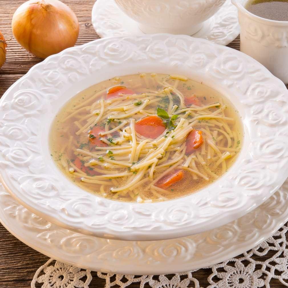 Supă de vită cu tăieței
