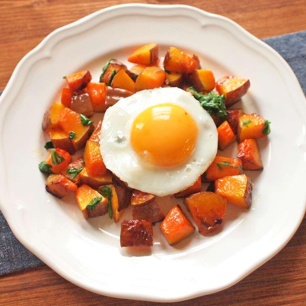 Zobrazit Pečená bylinková dýně s vejcem receptů