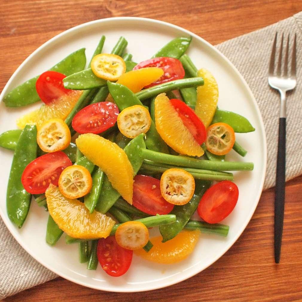 Zobrazit Luskový salát s pomeranči receptů