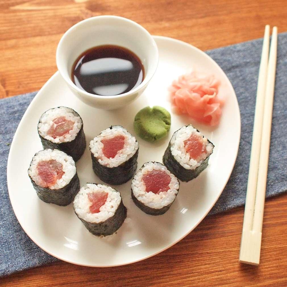 Zobrazit Maki sushi s tuňákem receptů
