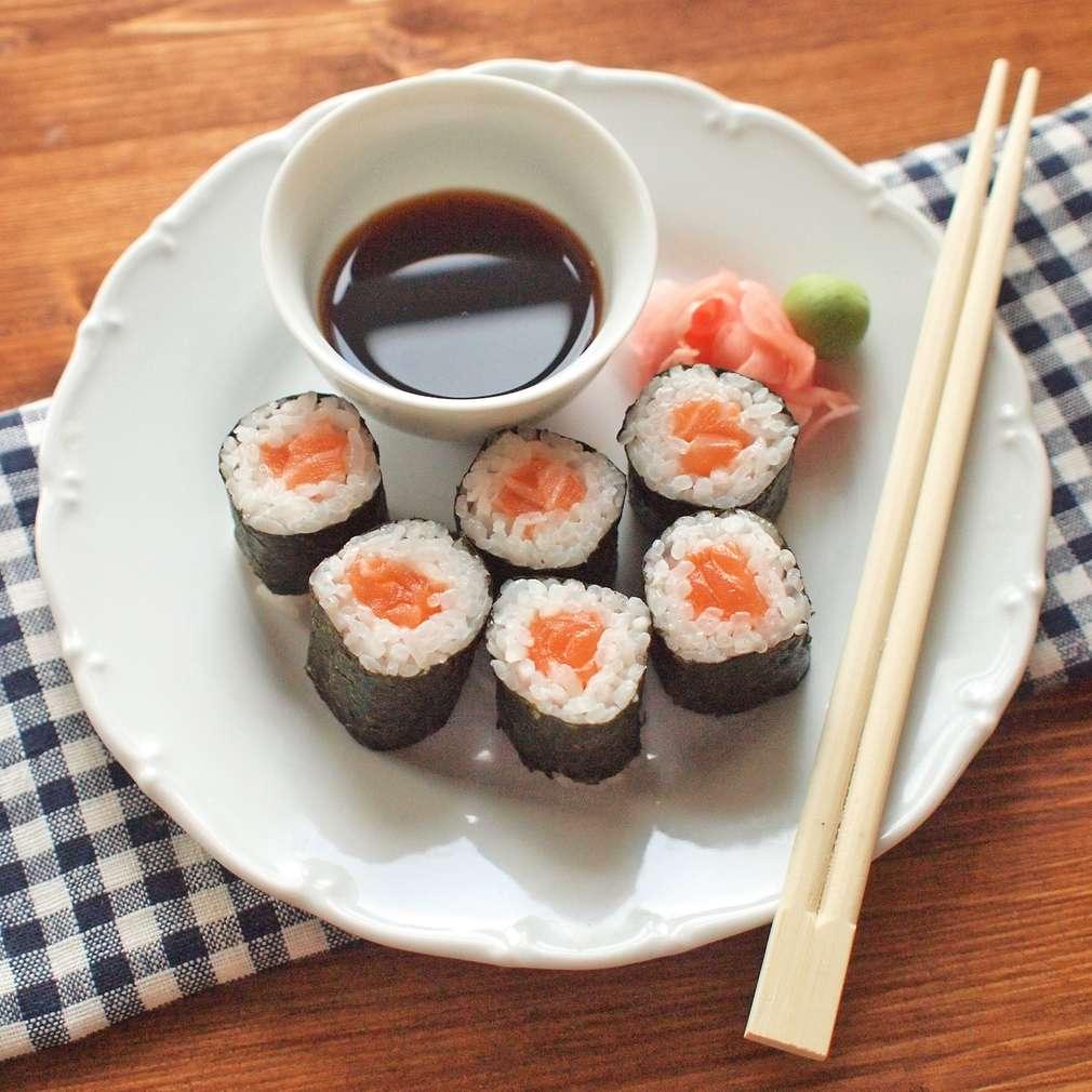 Zobrazit Maki sushi s lososem receptů