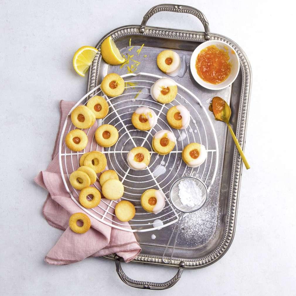 Abbildung des Rezepts Zitronenkekse mit Marmelade und Glasur