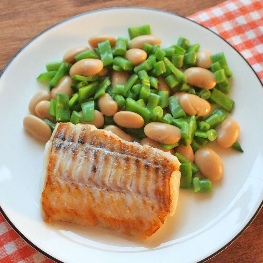 Zobrazit Filet z tresky s fazolovým salátem receptů