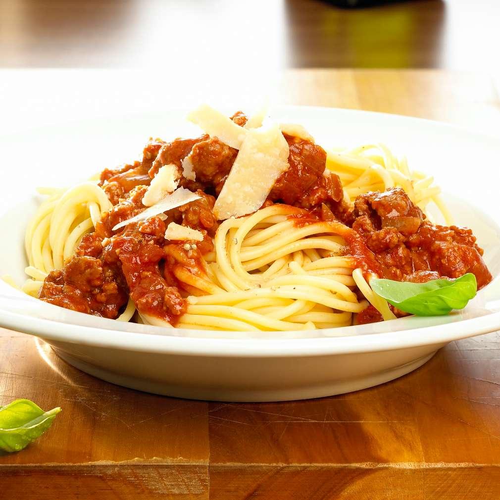 Zobrazit Boloňské špagety receptů