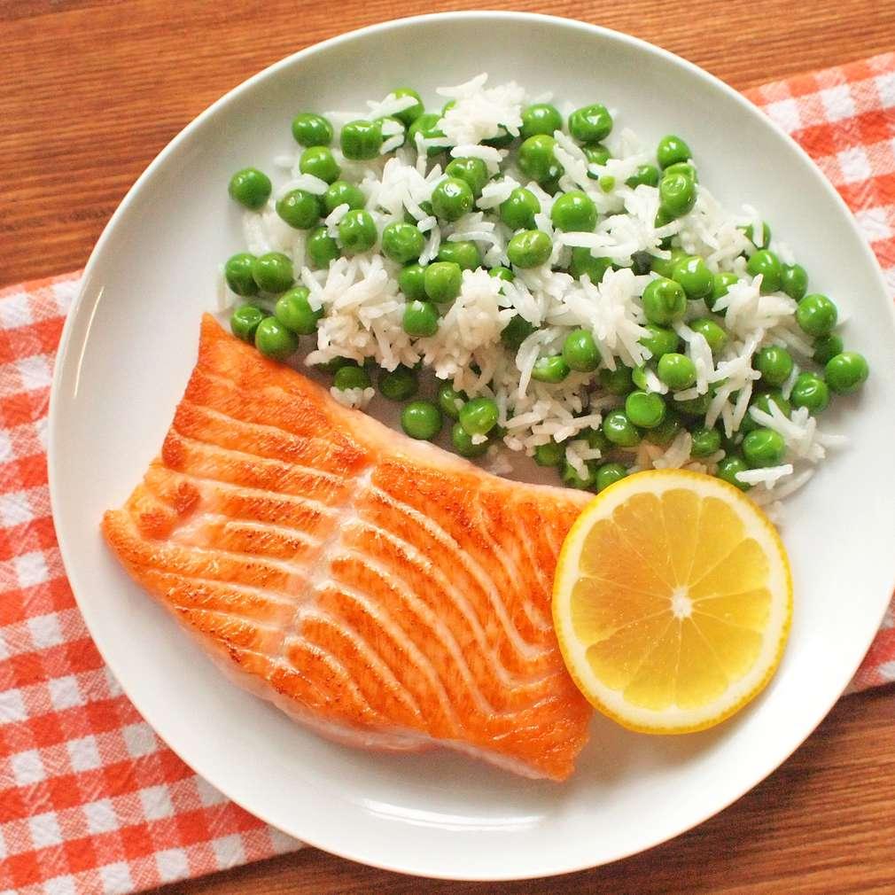 Zobrazit Filet z lososa s hráškovou rýží receptů