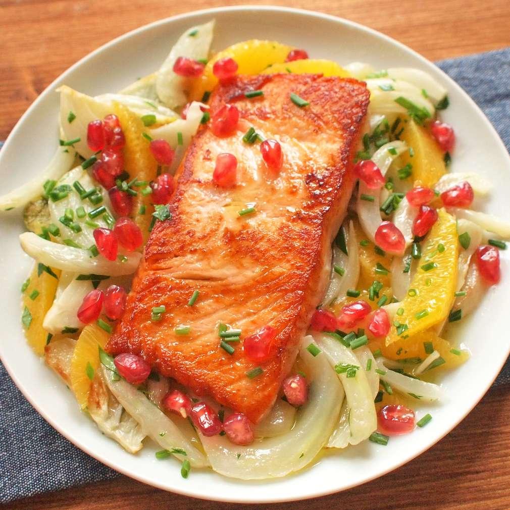 Zobrazit Filet z lososa s karamelizovaným fenyklem receptů