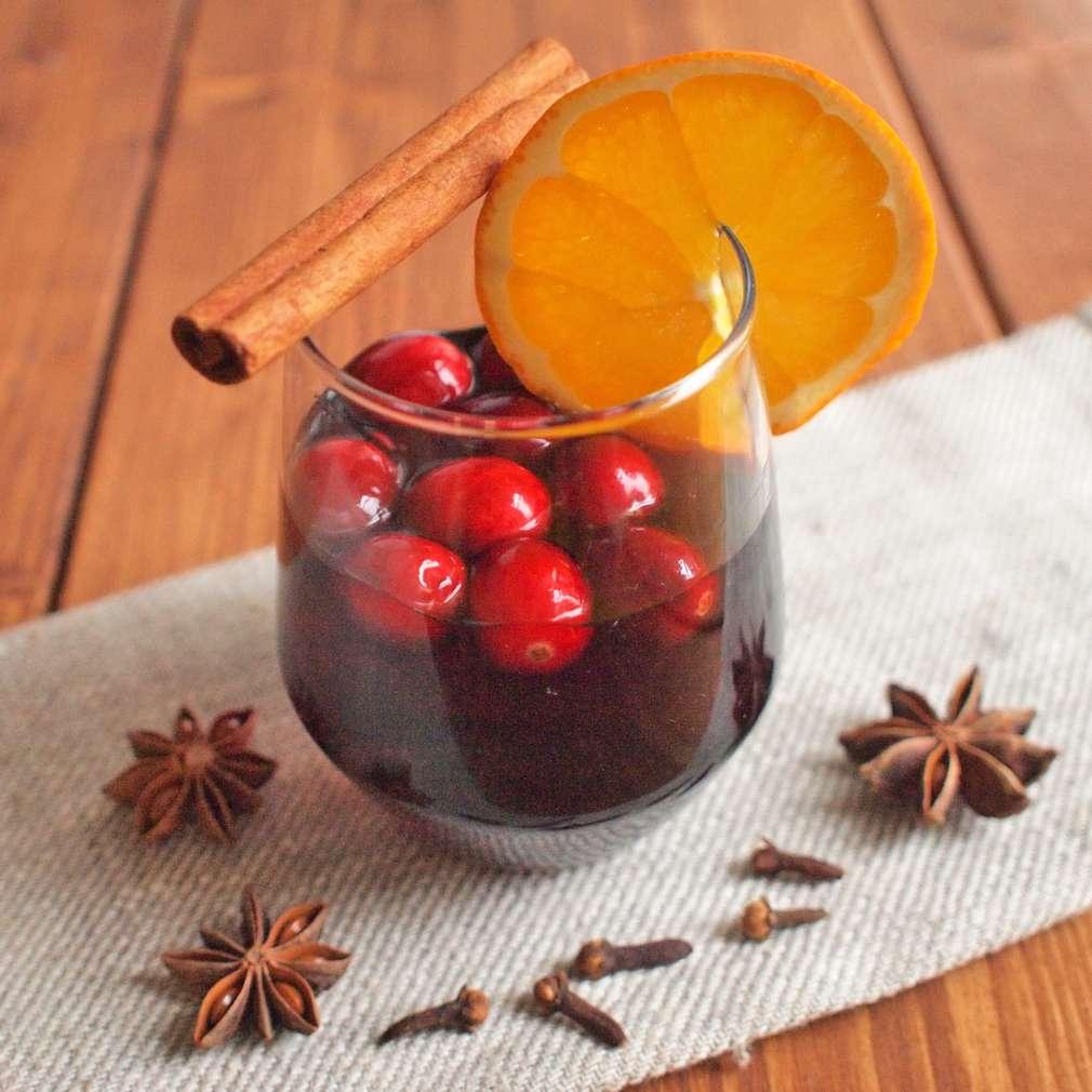 Zobrazit Vánoční punč s brusinkami receptů