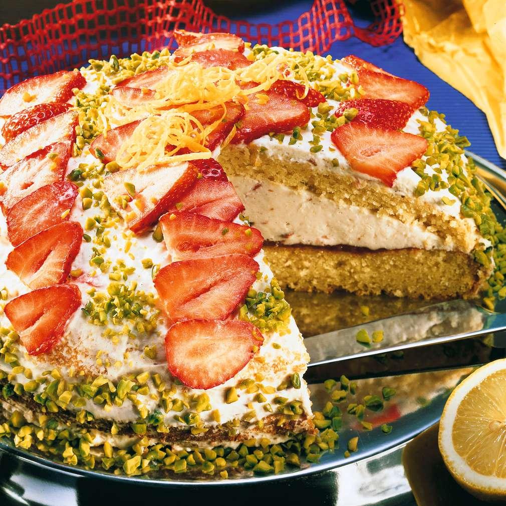 Zobrazit Lehký jahodový dort s mandlemi receptů