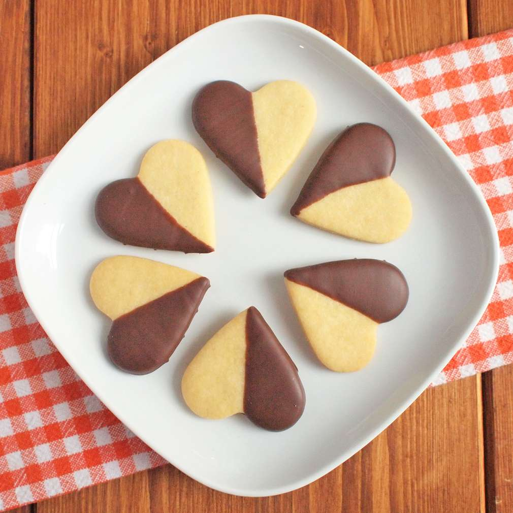 Zobrazit Polomáčená srdíčka v čokoládě receptů