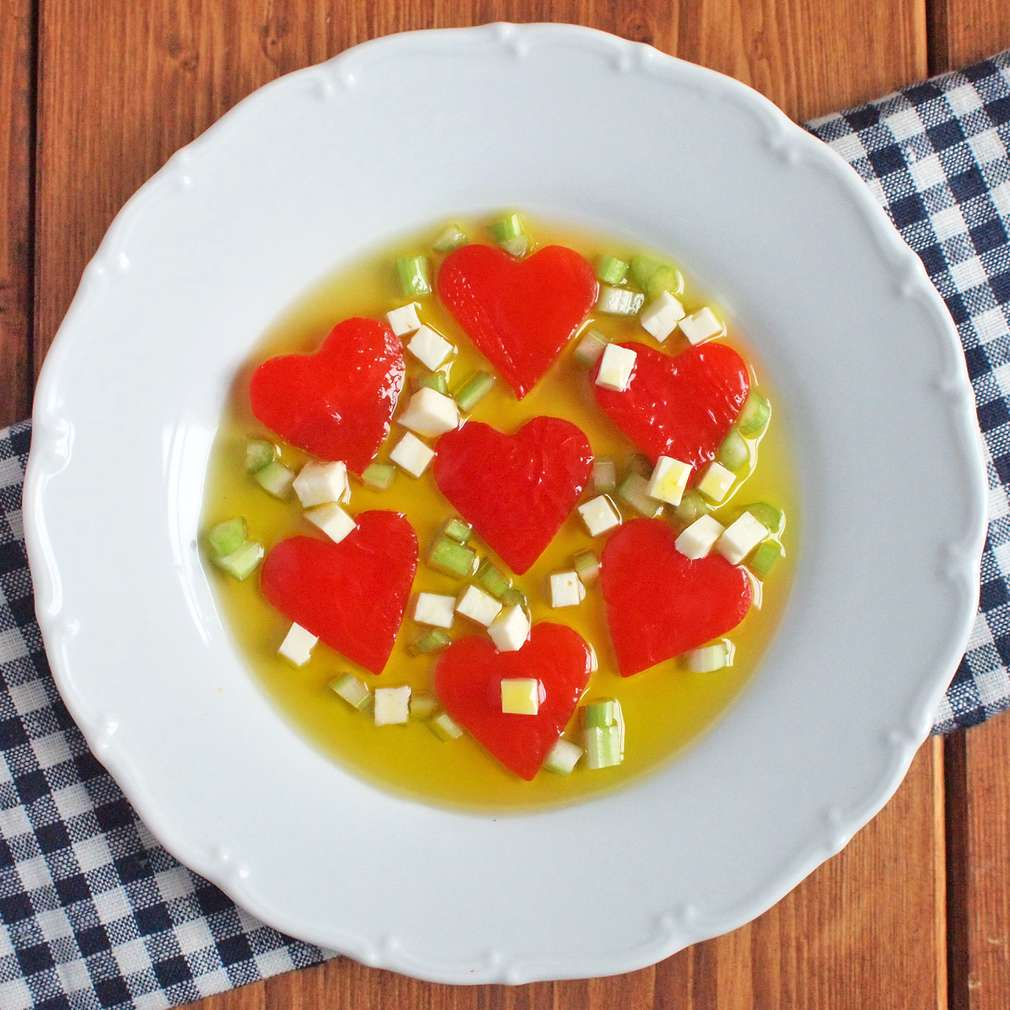Zobrazit Srdíčka z marinované pečené papriky receptů