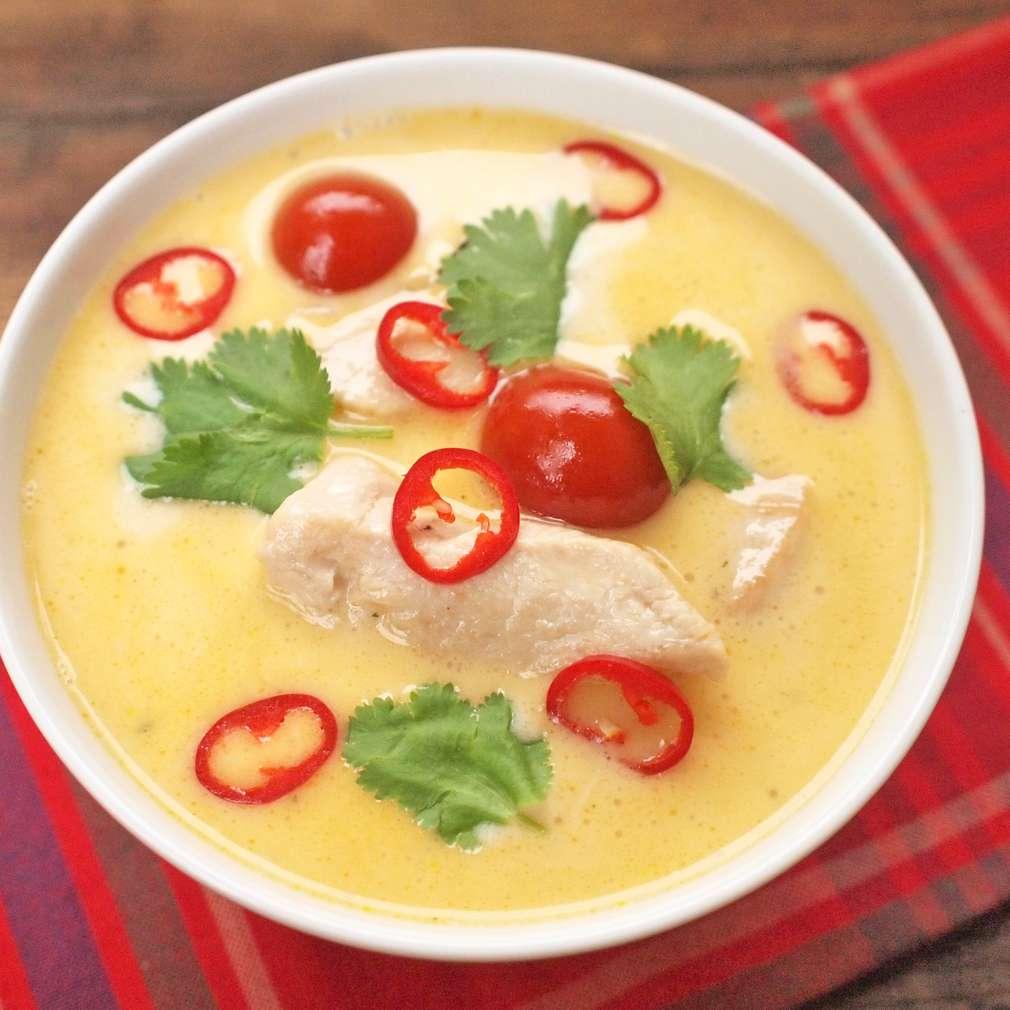 Zobrazit Thajská polévka s kuřetem receptů
