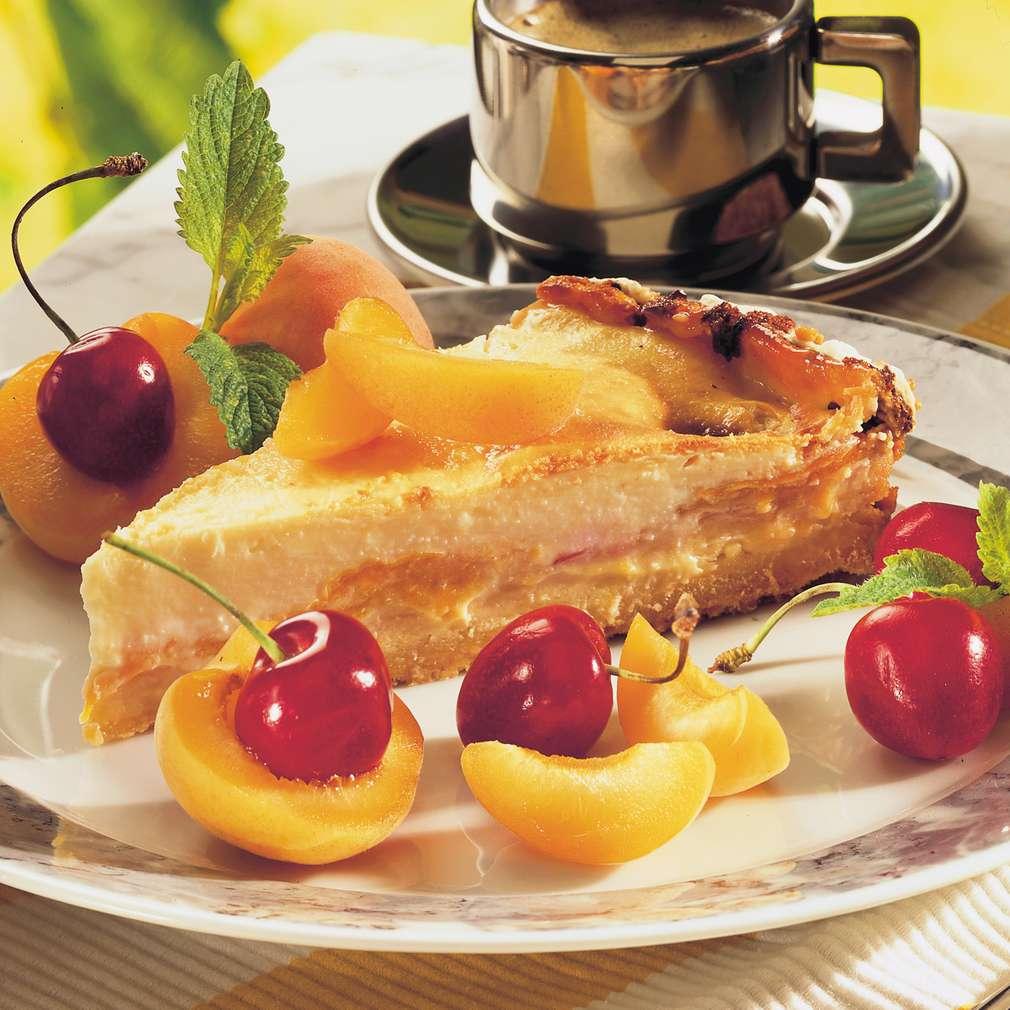 Abbildung des Rezepts Käsekuchen mit Aprikosen und Ingwer