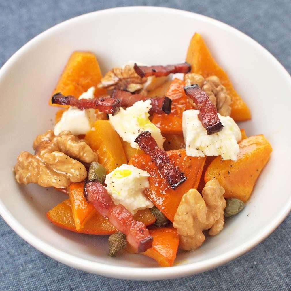 Zobrazit Salát z pečené dýně a kozího sýra receptů
