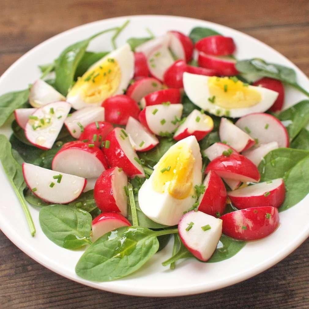 Zobrazit Jarní salát s ředkvičkami receptů