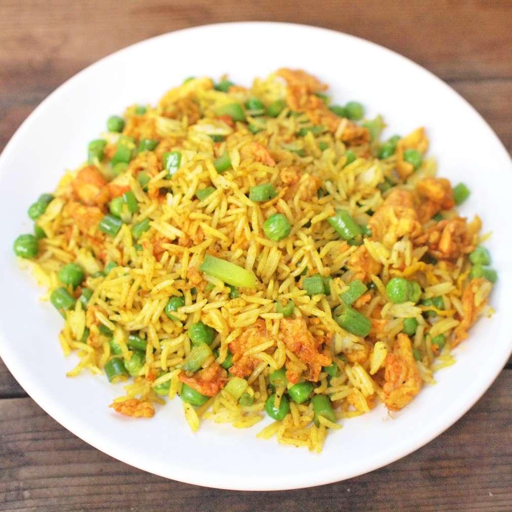 Zobrazit Smažená kari rýže s vejci receptů