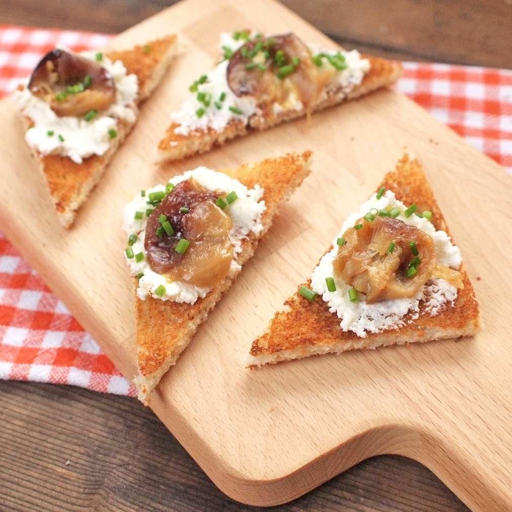 Zobrazit Toasty s pečeným česnekem receptů